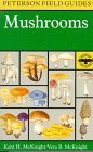 A Field Guide to Mushrooms : North America (Peterson Field Guides)